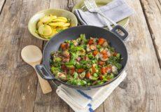 Maak ook eens wat anders met andijvie: wok of roerbak!
